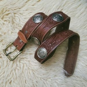 Accessories - Vintage Hand Tooled Leather Belt Concho 70s Brown